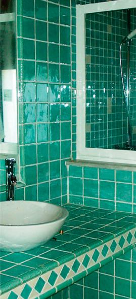 piezas-cuadradas-azulejos-esmaltados-a-mano-castellon